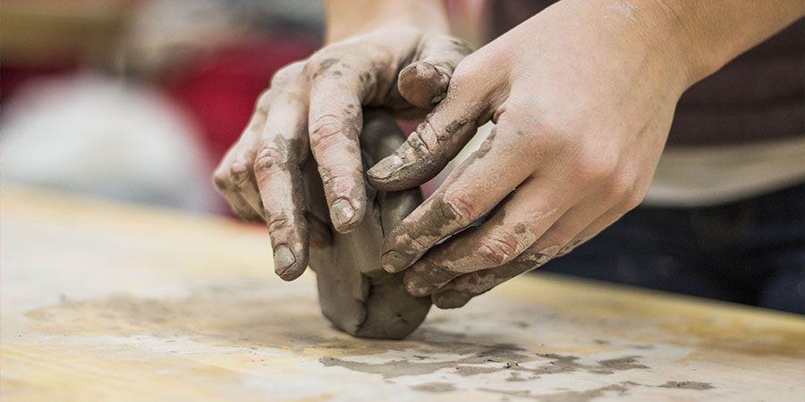 Bisogna sporcarsi le mani